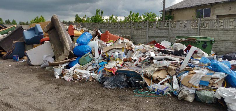 """Punkt SELEKTYWNEJ zbiórki odpadów komunalnych """"po wręczycku"""""""